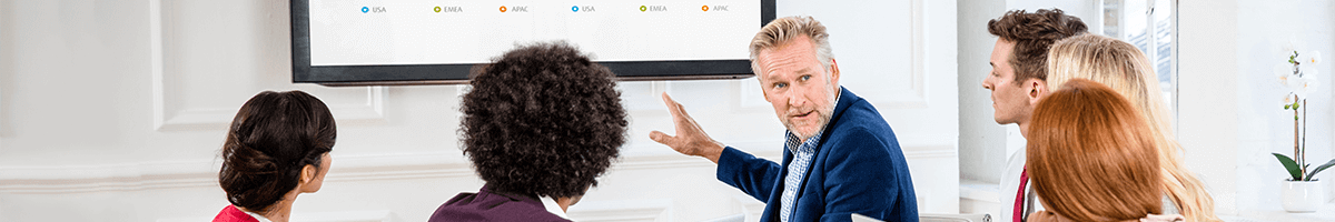 Public Display oder Fernseher im Konferenzraum