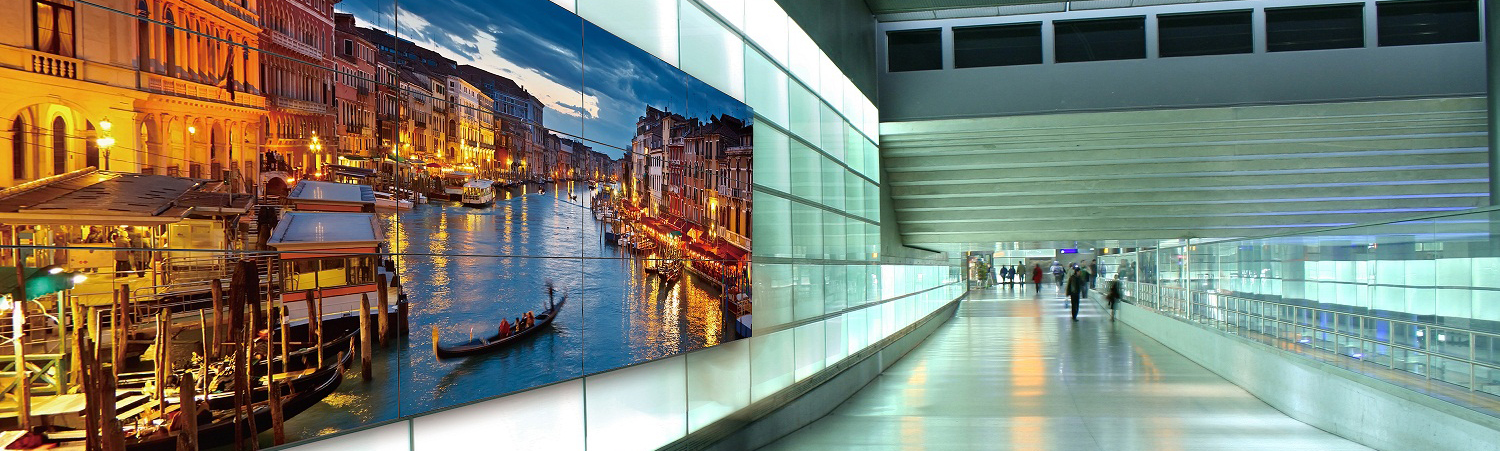 Digital Signage Displays am Flughafen